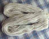 Hand Spun Local Long Wool Blend Singles Yarn, 3.5 ozs (100 gms), Heavy Worsted/Aran Wt., natural creamy white, un-dyed, free postage!