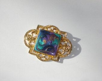 Vintage Gold Enamel Pin - Oval Costume Jewelry Brooch 1980s