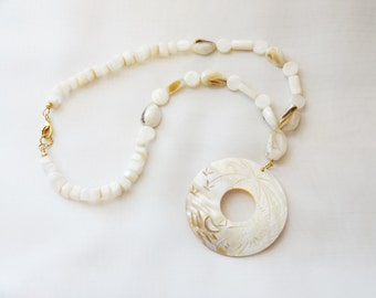 Free Shipping - Mother-Of-Pearl And Shell Necklace And Earring Set