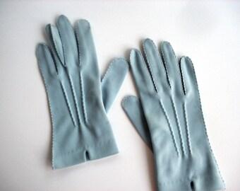 Vintage light aqua gloves
