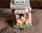 1970s Vintage Bakery Shoppe Fold-Open House Easter Bunnies
