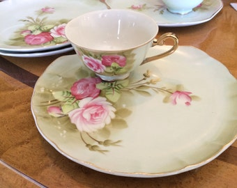 Lefton China Oyster shell plates and matching teacup, aqua and green luncheon plates with cup inset