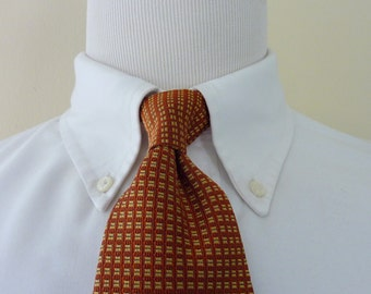Vintage Brooks Brothers 346 PURE SILK Bronze & Gold Split-Squares Geometric Patterned Trad / Ivy League Neck Tie.  Made in USA.