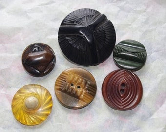 6 Vintage Buttons Ornate Plastic / Bakelite / Celluloid Lot