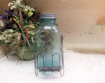 Vintage Mason Jar with Decorative Lightweight Jar Caddy Basket  Aqua Blue Half Gallon Ball Perfect with Zinc Lid B630