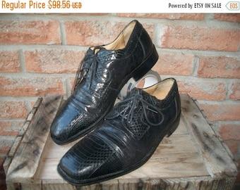 SALE Florsheim , Exotic French toe , Cap Toe , leather soles US men 10D. Vintage Men's Shoe