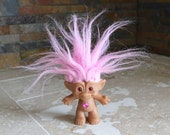 Ace troll doll - Treasure Troll - Ace Novelty Co. - 1990s troll doll - pink hair troll - pink eyes - 2 7/8 inch troll doll with wishstone
