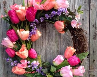 Coral Tulip Wreath. Front Door Wreath. Spring Wreath, Deep Pink Tulip, Spring Wreath, Outdoor Wreath, Mother's Day