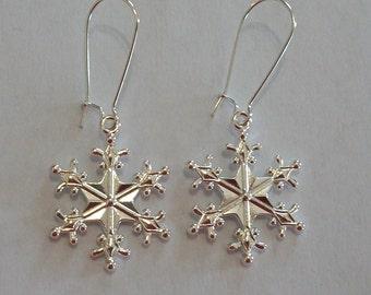 Pretty Silver Plated Snowflake Earrings