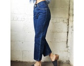 30% OFF 1980s Dark Wash Levis Red Tab 569 Cropped Jeans
