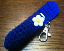 Blue Lip Balm Holder, Daisy Chapstick Case, Summer Keyring, Lip Balm Cozy, Gifts for Her, Mother's Day, Summer Accessories