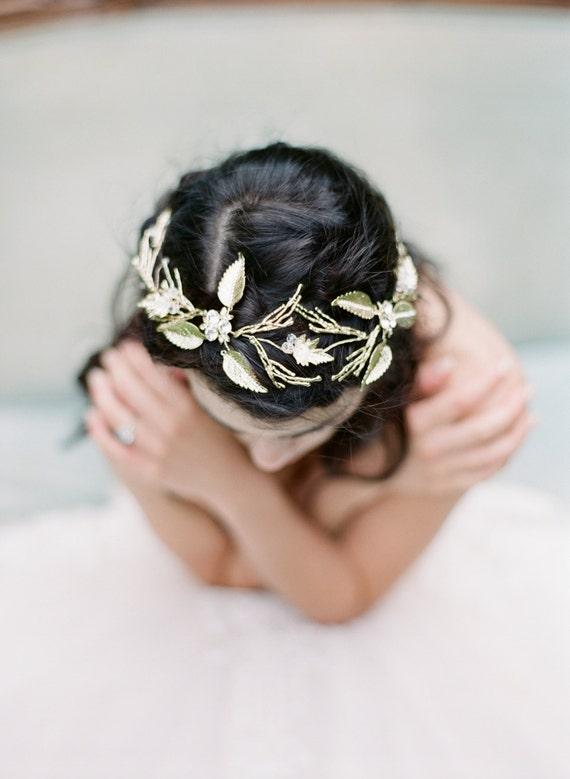 LOLA  Gilded Leaf Bridal Halo