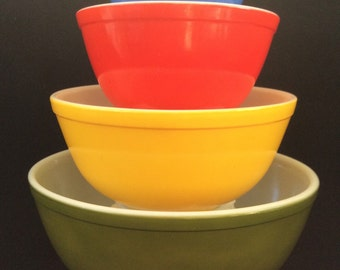 Pyrex Vintage Multi Color Pyrex Set