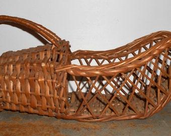 Vintage Wine Basket, Wicker Wine Serving Basket, Bottle Holder, Wine Bottle Basket, Bottle Basket, Wine Basket