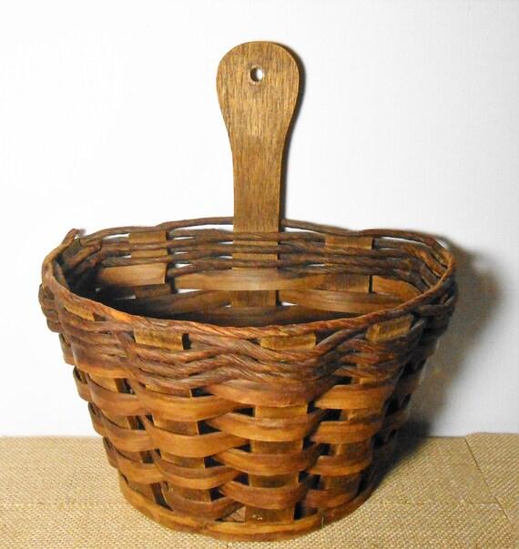vintage basket wall pocket wicker basket wall hanging. Black Bedroom Furniture Sets. Home Design Ideas