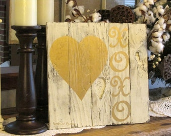 Hand Painted Wood Sign, Distressed Wood Heart Sign, XOXO Gold on Wood, Rustic Farmhouse Decor, Valentine's Day Decor, Wood Wall Art