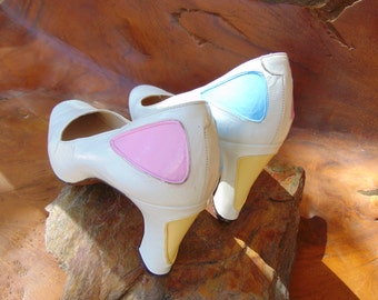 Garolini Pumps - Size 9 1/2 N - Made in Italy - Stunning White Pumps with Pink, Blue and Yellow accents - 1970's