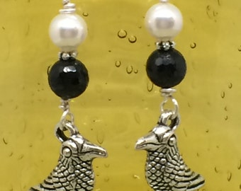 Silver RAVEN earrings Raven Jewelry Crow earrings Black Bird Onyx and Pearls Bird earrings BIRD jewelry Dangle Raven Crow Earrings Jewelry