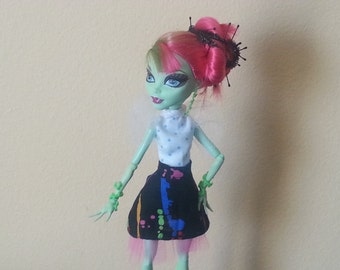 Monster Doll Pretty in Punk Skirt and Blouse Set for MH Venus