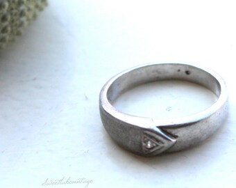 triangle sterling silver ring- classic silver ring-