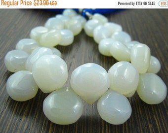 """BIG SALE Gray White Chalcedony Smooth Heart Briolette- 7"""" Strand -Stones measure -8-11mm"""