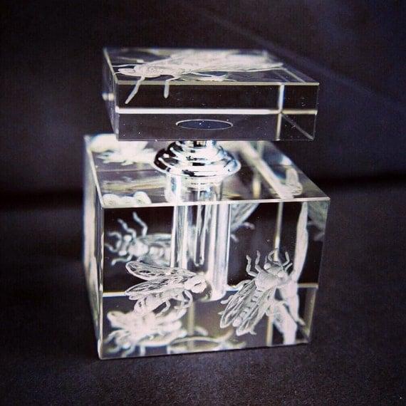 Hand Engraved Perfume Bottle, Oleg Cassini Crystal, Mini Perfume Bottle, Perfume Bottle, Bees, vanity Tray, Perfume Tray, Crystal, Bees etch