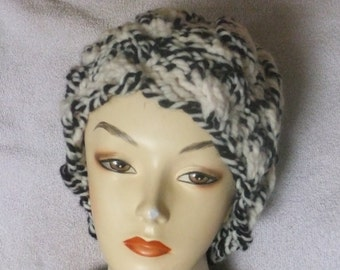 HANDMADE KNITTED HAT/Woman's Knitted Cap/Winter Hat