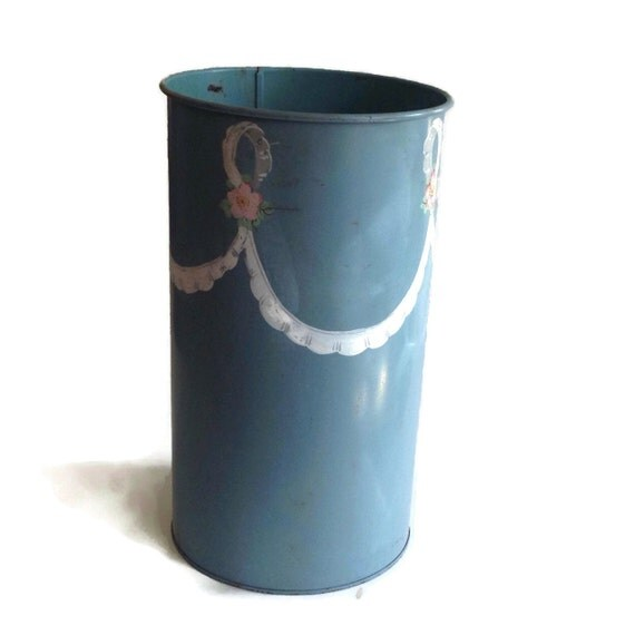 Vintage metal trash can waste paper basket dusty blue tole for Bedroom waste baskets decorative