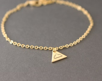 Little Triangle Mountain bracelet // gold