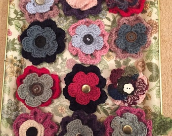 Knitted flower brooch pin