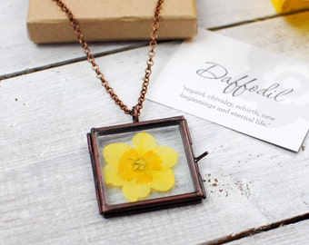 Hand pressed daffodil necklace - flower pendant - pressed flower locket - gift for bridesmaid - spring jewellery - bridal party gift bag