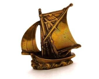 Vintage Brass Ship, Brass Ship Paperweight, Brass Sailing Ship, Brass Sailboat, Brass Boat, Brass Nautical Decor, Brass Paperweight