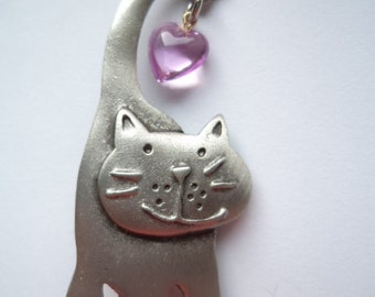 Vintage Signed JJ Silver pewter Cat with Heart on Tail Brooch/Pin