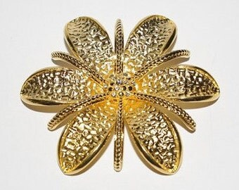 Joan Rivers Brooch - Gold Tone Flower with Crystals - S1268