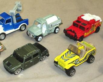 Matchbox + Hot Weels + Maisto  eight vehicles