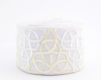 Lace Trim, Embroidered Lace Trim, Border, Indian Style, Round, Jacquard, Ornament, Geometric, Triangle, White, Cream - 1 meter