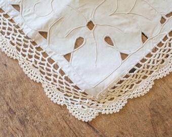 CROCHET TABLE RUNNER Shabby Chic Table Decor Vintage linen Runner