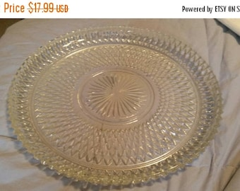 On Sale Large Prescut Diamond Point Design Ruffled Pressed Clear Glass Relish Tray or Serving Dish