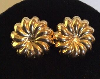 Good toned earrings 1 in pierced