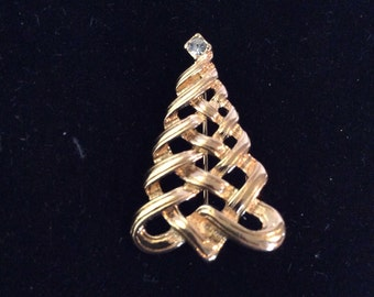 Christmas tree brooch 1-1/4 in