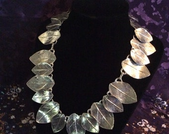 Silver tone leaf necklace 15-18 in