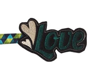 Key fob Love emerald