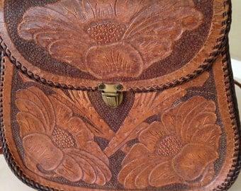Vintage leather tooled flower shoulder bag purse