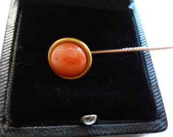 Exceptional Antique Georgian 18K Yellow Gold Salmon Coral Stick Pin