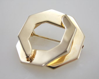 """Vintage """"Signed"""" Sarah Coventry Gold Tone Brooch"""