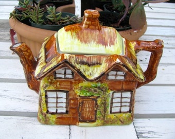 Price Kensington Ye Old Cottage Teapot Made in England