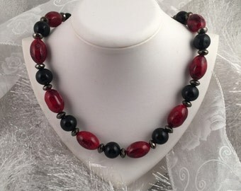 Beautiful glass beaded necklace; Red, Black, Silver