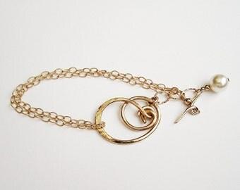 Knot Bracelet Hammered Bracelet Gold Knot Bracelet Chain Bracelet Gold Filled Bracelet Toggle Bracelet Chic Bracelet Artisan Bracelet