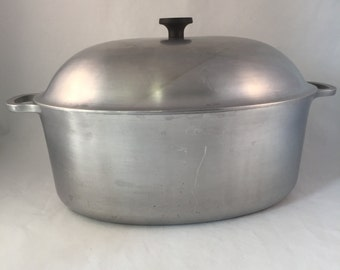 1950's Large Hammered Aluminum Roasting Pan with Lid, Vintage, Household Institute Cooking Utensil
