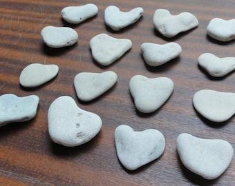 Lot of 16 Natural Heart Shaped Beach Stones Sea Rocks pebbles ISRAEL Love Love's Day Gift Craft Wedding Decor Good Luck